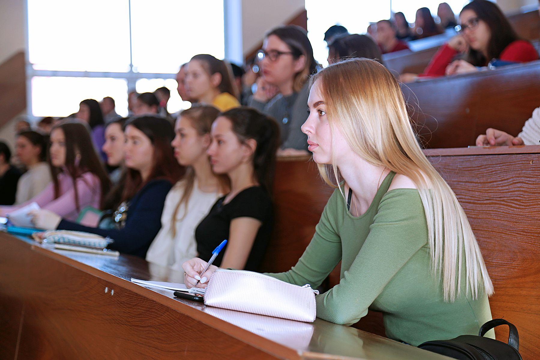 Студенты ВГУЭС предложили свои концепции развития Свободного порта Владивосток