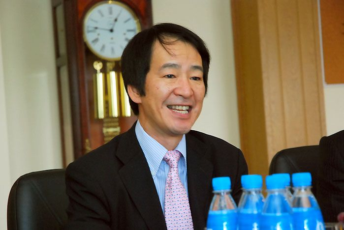 Генконсул Японии г-н Ито высоко оценил современную организацию учебного процесса и условия жизни студентов ВГУЭС