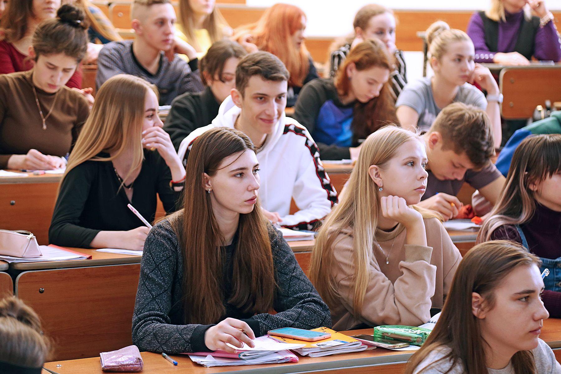 Жесткие временные рамки и уникальность задачи: студенты ВГУЭС узнали все о проектном управлении