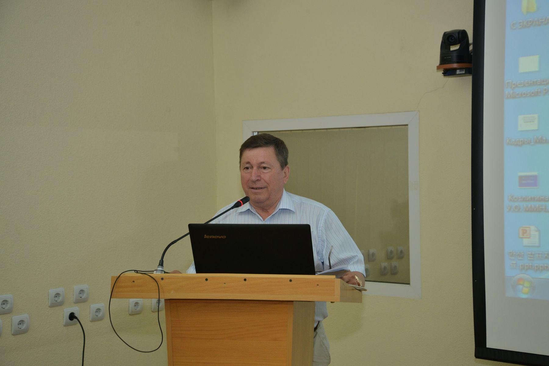 Александр Латкин, руководитель Института кадров высшей квалификации, д.э.н., профессор: «Мы делаем акцент на практику»