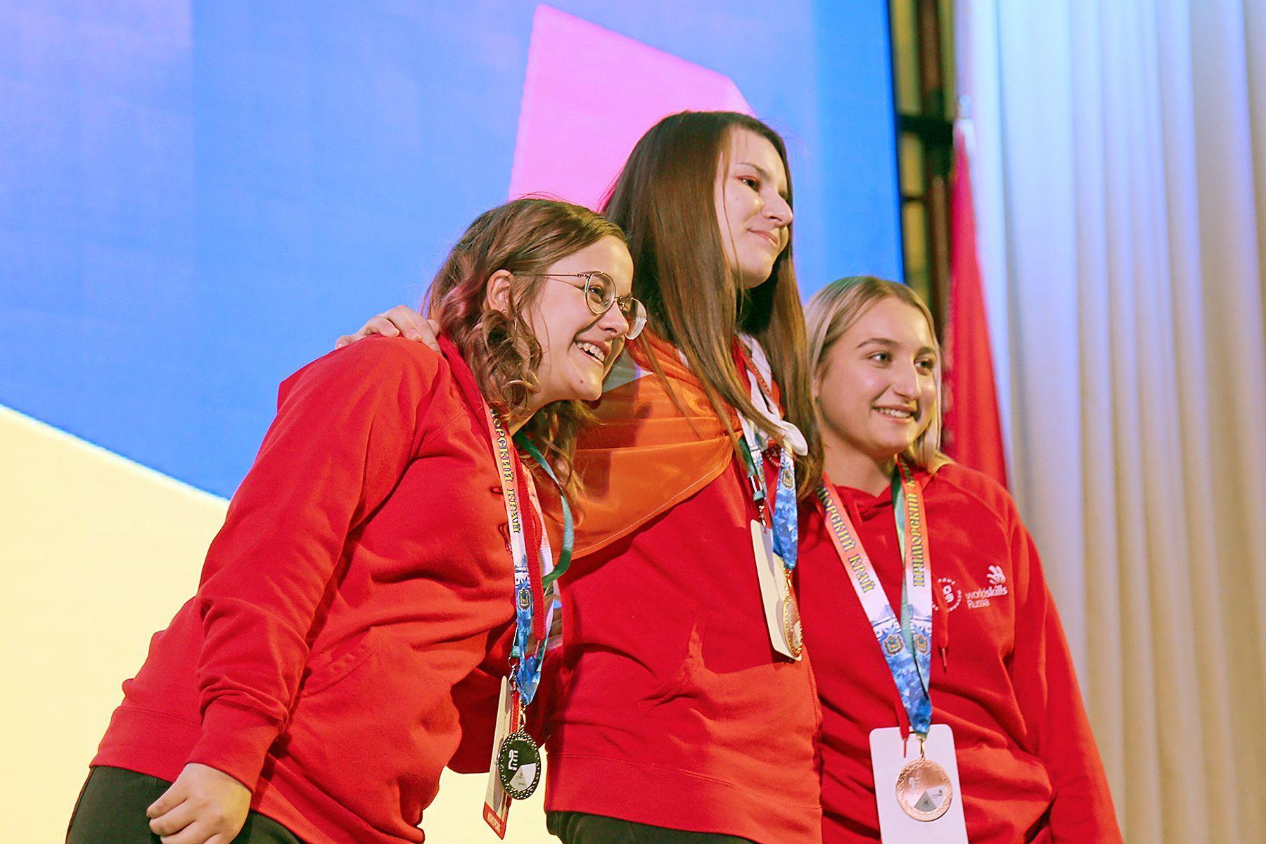 Молодые профессионалы успешно завершают VI Открытый региональный чемпионат WorldSkills Russia. Во ВГУЭС подходят к финалу соревнования по компетенциям основной линейки