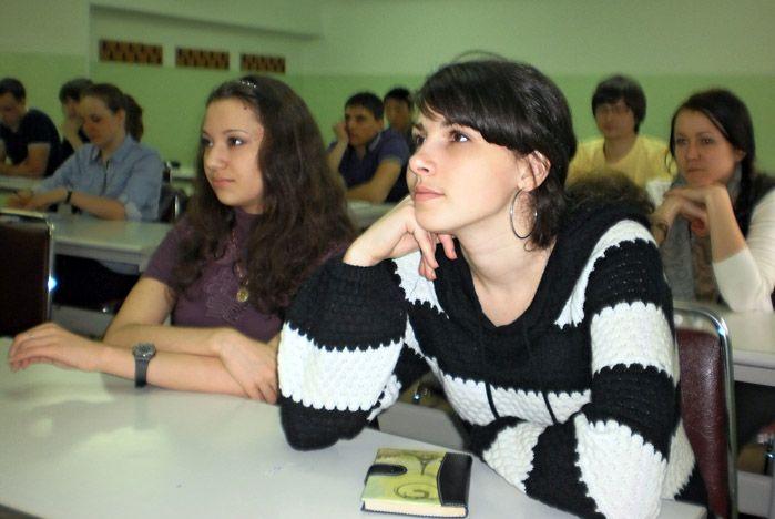 Студенты ВГУЭС узнали о своих трудовых правах