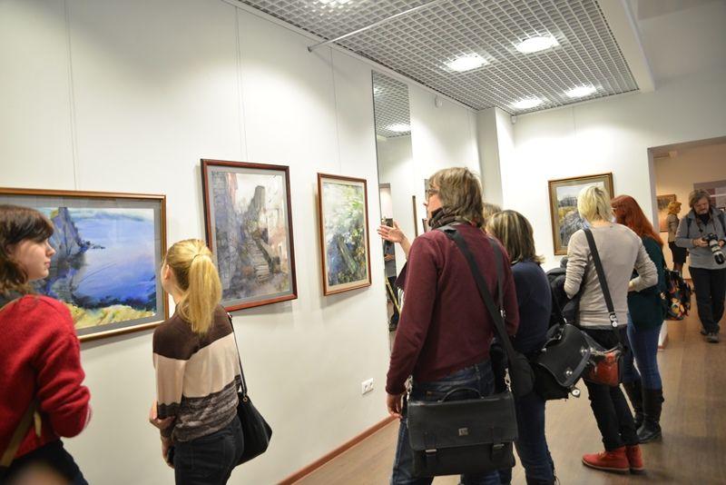 «На одном дыхании» - во ВГУЭС открылась выставка хабаровского художника Бронислава Тамулевича