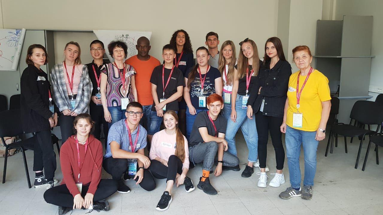 Команда #молодежьвгуэс и #молодежьпк провели тренинги для волонтеров ВЭФ