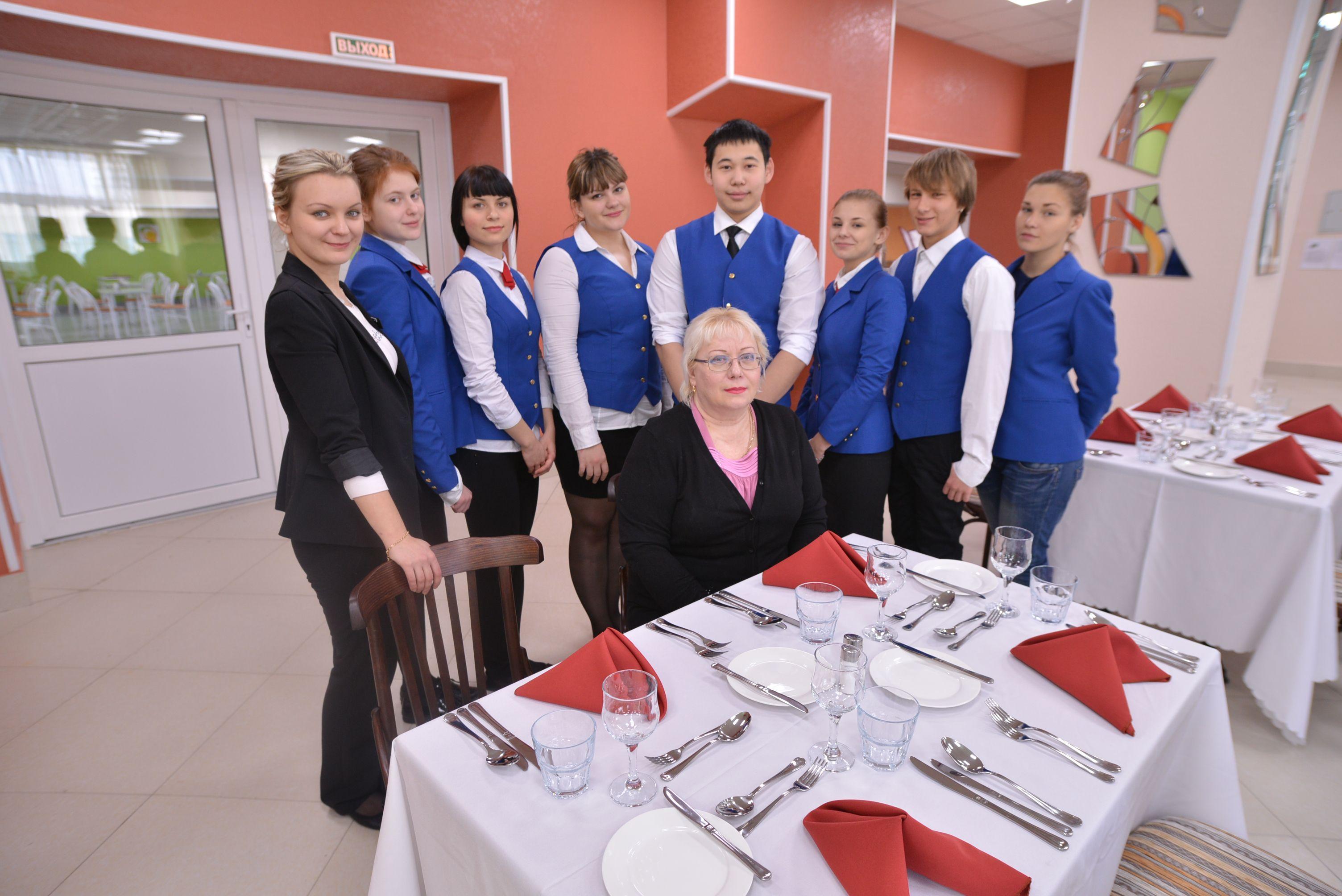 Студенты образовательной программы ВГУЭС-PIHMS показали мастерство сервировки