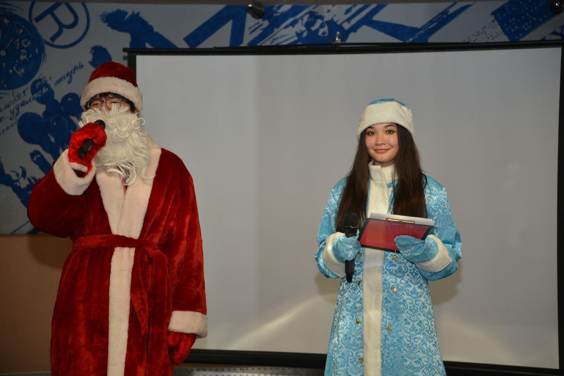 Иностранные студенты ВГУЭС отметили Новый год по-русски