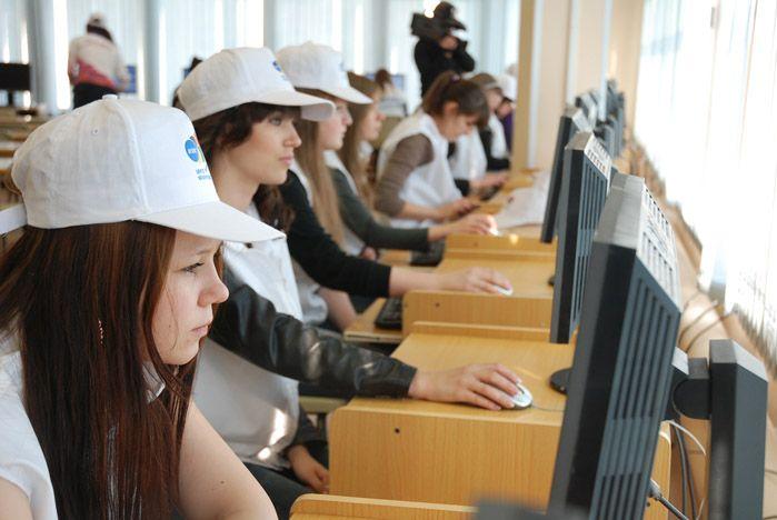 Во ВГУЭС проходит обучение волонтеров саммита АТЭС