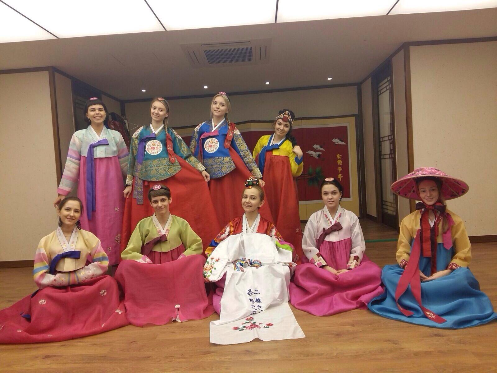 Студенты ВГУЭС принимают участие в выставке молодых дизайнеров в Республике Корея